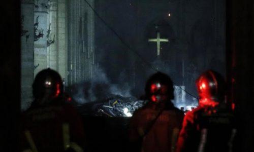 Notre Dame brucia, i jihadisti esultano sul web